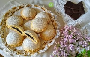 Biscotti con crema al cioccolato senza uova burro e latte